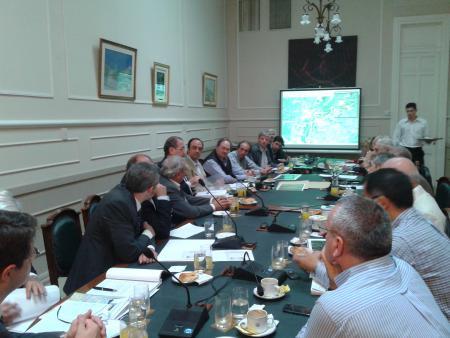 La Mesa de Entidades Productivas se reuni� por la traza del Puente Paran�-Sta Fe