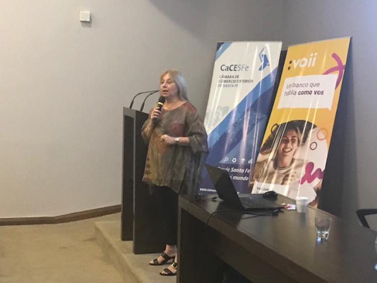 Carmen Carballeiro capacit� a 40 Empresas en Santa Fe