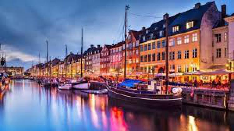 Puentes con el Mundo, Cap�tulo Dinamarca: