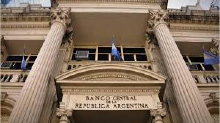 Comunicación A 7229 BCRA: Ampliación de plazos para liquidar divisas.